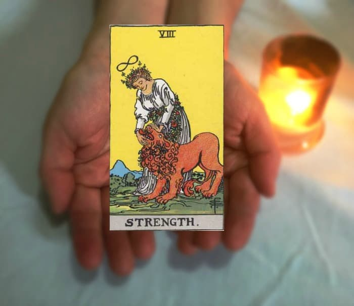 Tarot Advice - Guidance in Every Card: Strength