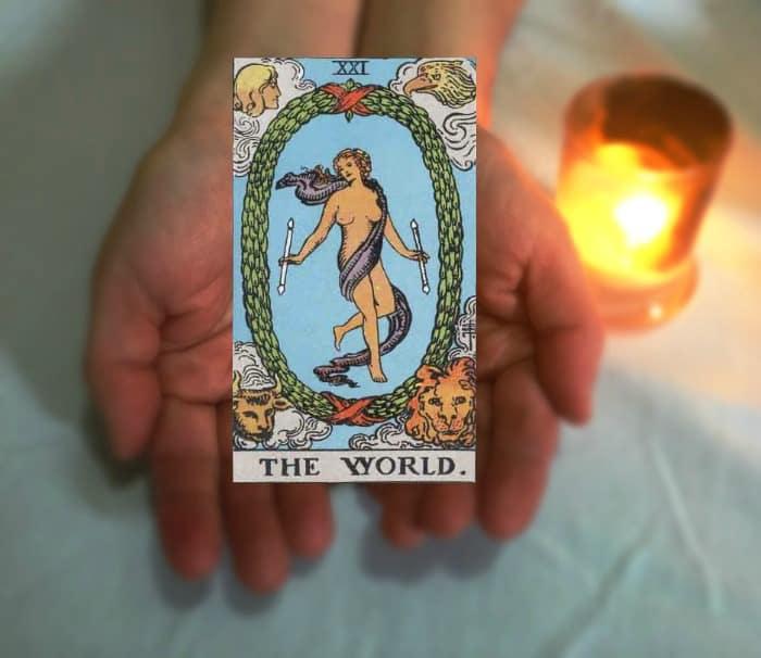 Tarot Advice - Guidance in Every Card: The World