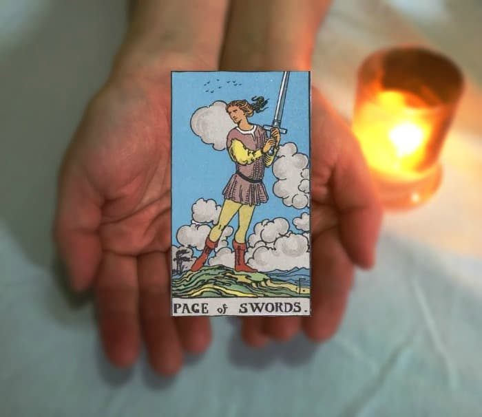 Tarot Advice - Guidance in Every Card: Page of Swords