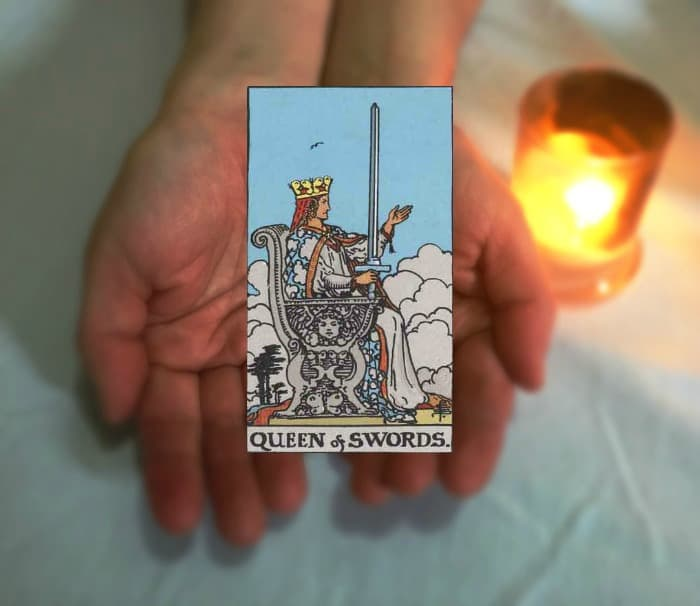 Tarot Advice - Guidance in Every Card: Queen of Swords