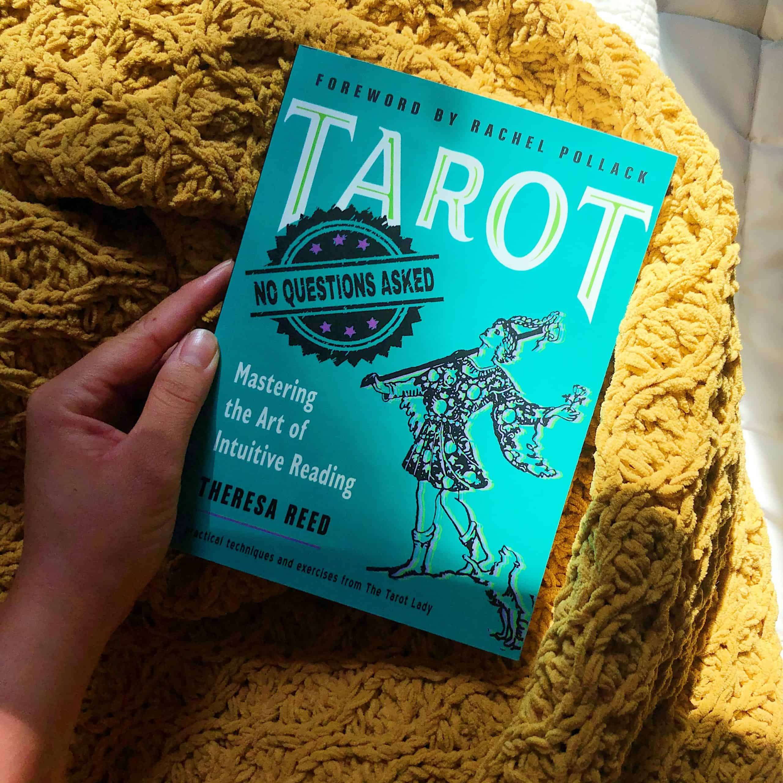 Tarot: No Questions Asked - Mastering the Art of Intuitive Reading